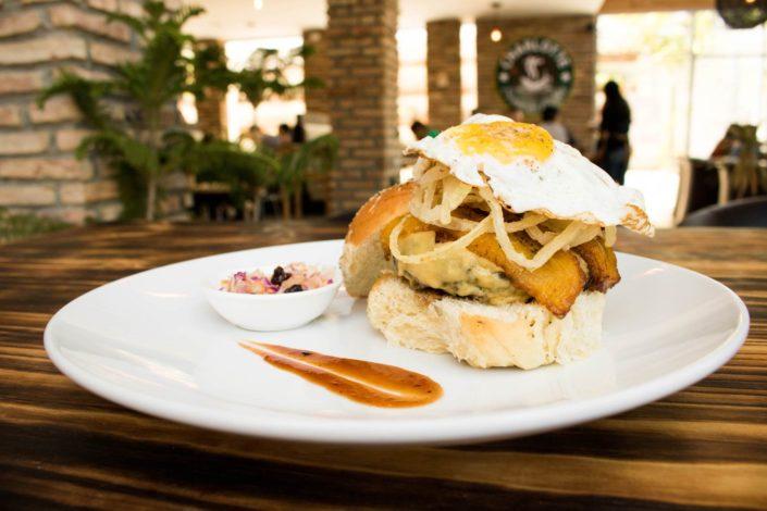 charlotte-burger